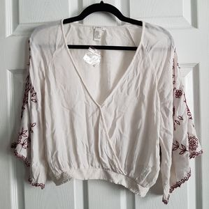 3/4 Sleeve Cris Cross Embroidered Top